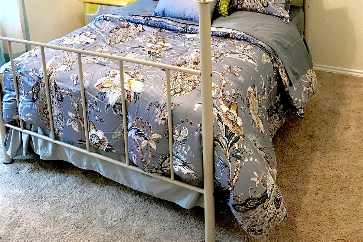 Bedroom #2 (queen bed).