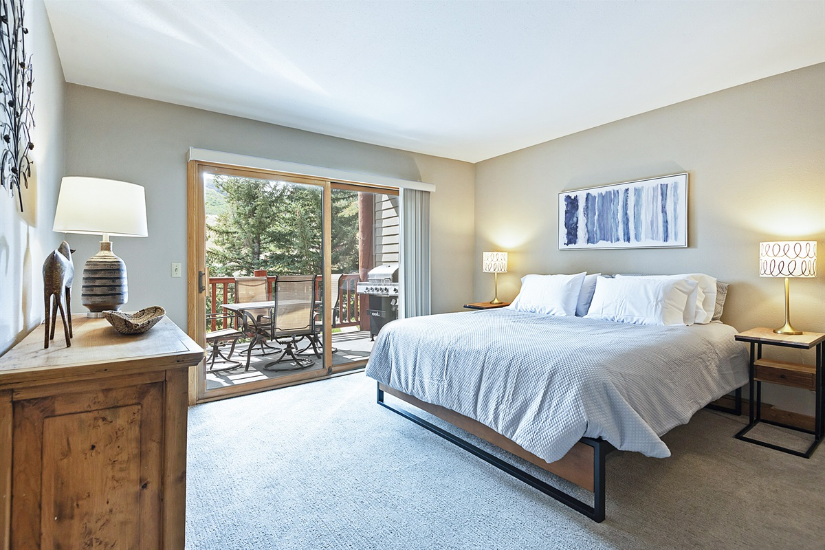 Master bedroom - king size bed, private patio, ensuite bath