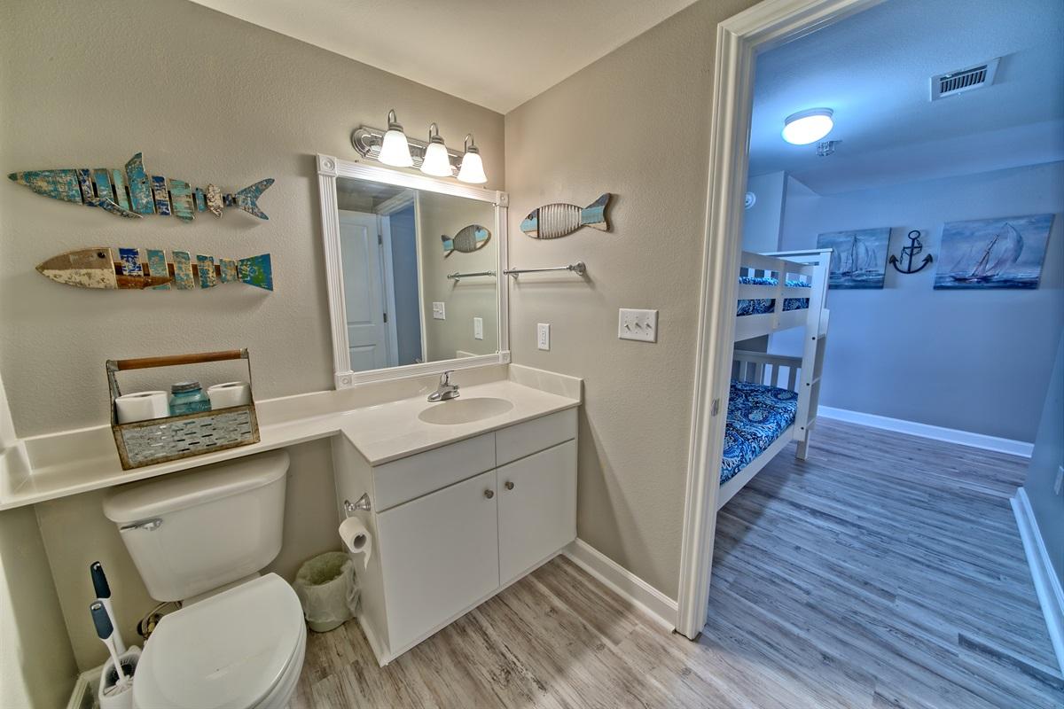 Bunkroom full bath