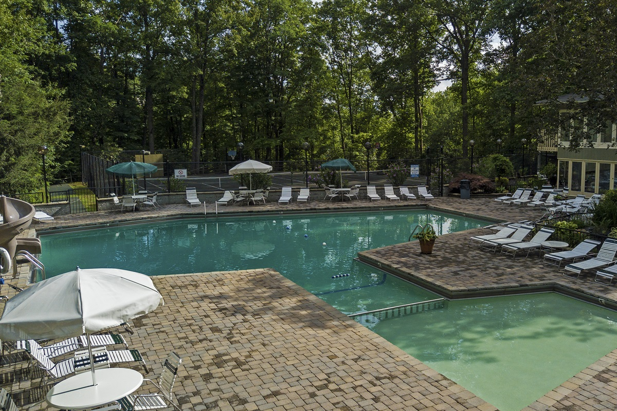 South Clubhouse pool and tennis courts