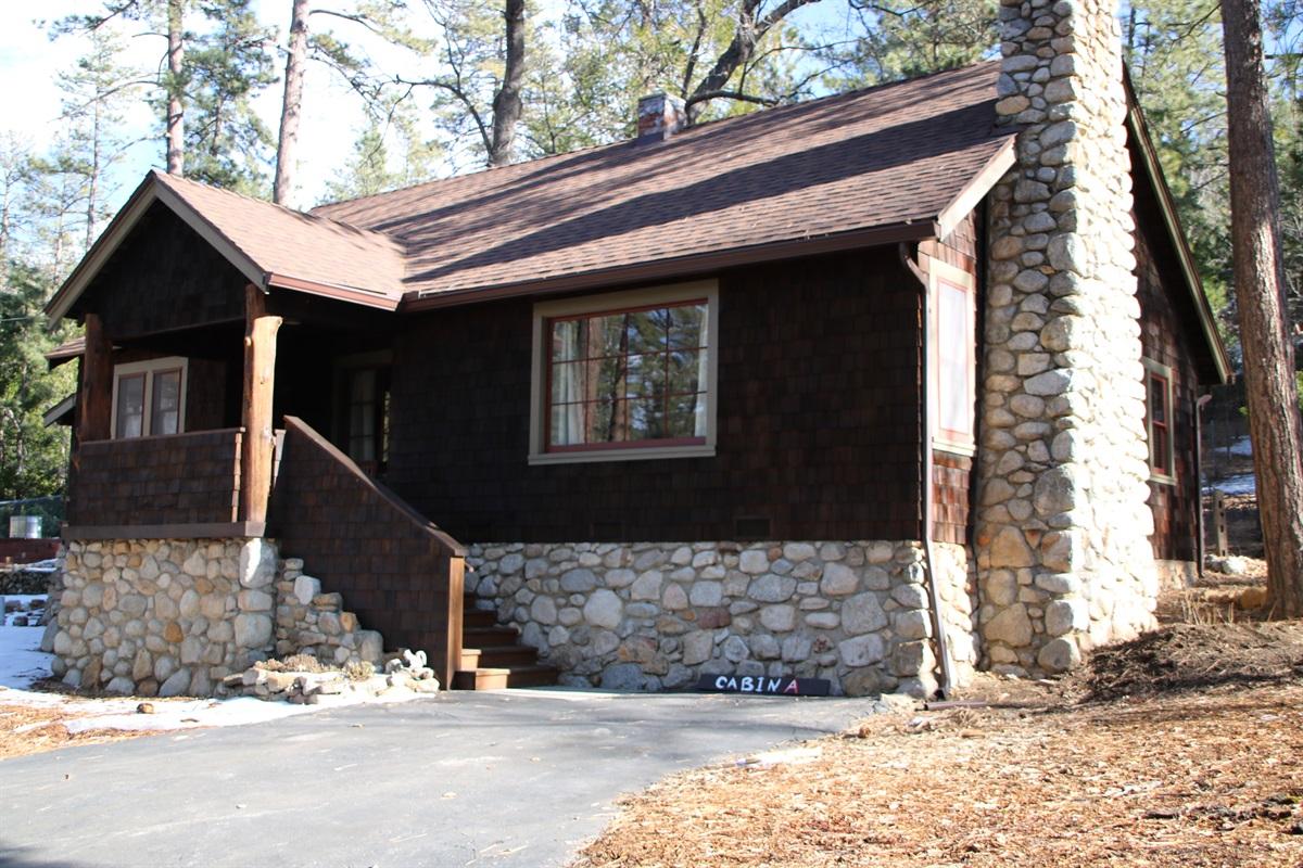 Lovingly Restored 1938 Cabin