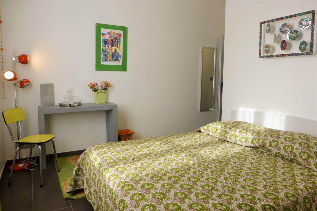 chambre 2 avec lit de 160 cm