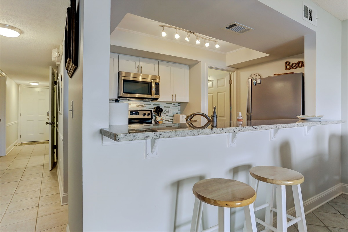 Kitchen - Bright and Open