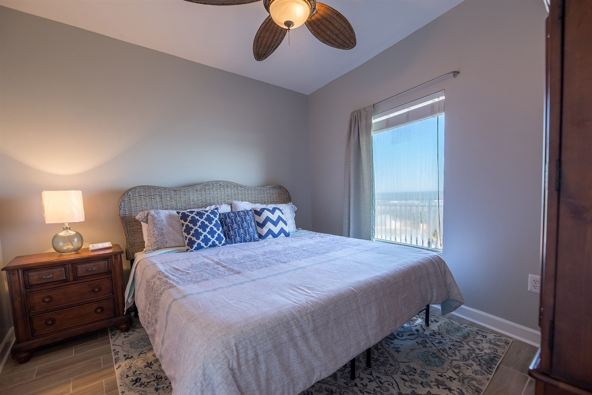 Master bedroom w/ comfortable king bed