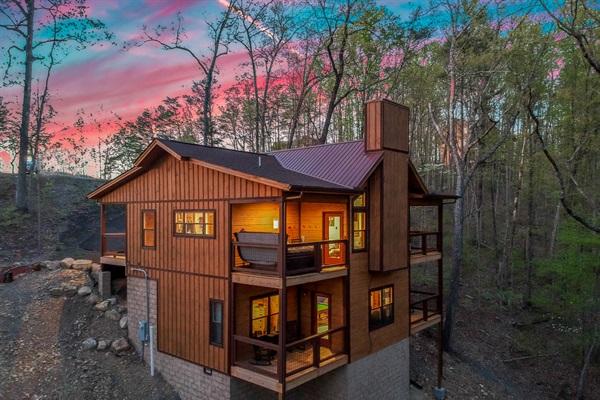 Welcome to Nordic Mountain Modern Lodge