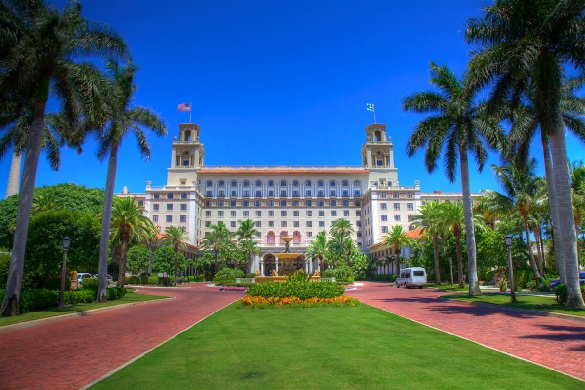 The Iconic Breakers Hotel on Palm Beach Island is an amazing experience with great restaurants and unbelievable beauty for a fun day trip.