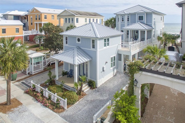 Generations Beach House & Cottage - Directly on the Beach - 6 Bedrooms & 6 1/2 Baths