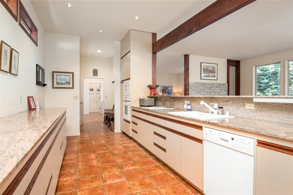 kitchen - open to mud room & entry