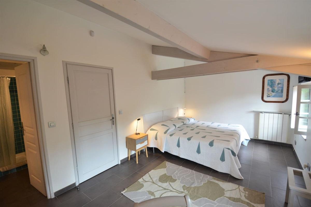 chambre 4 avec lit king size(ou 2 lits simples)