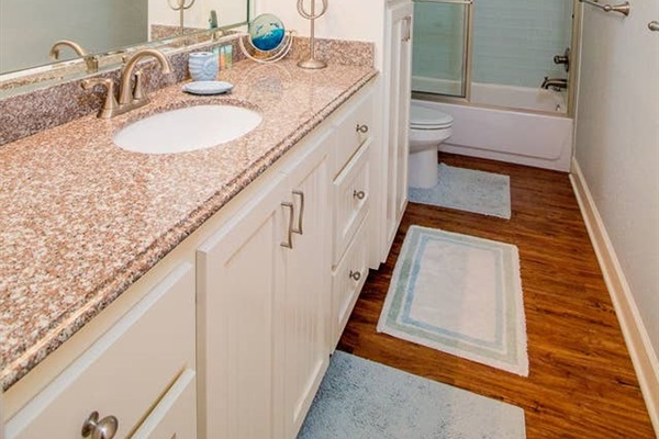 Guest Bathroom with Combination Tub/Shower on Upper Level
