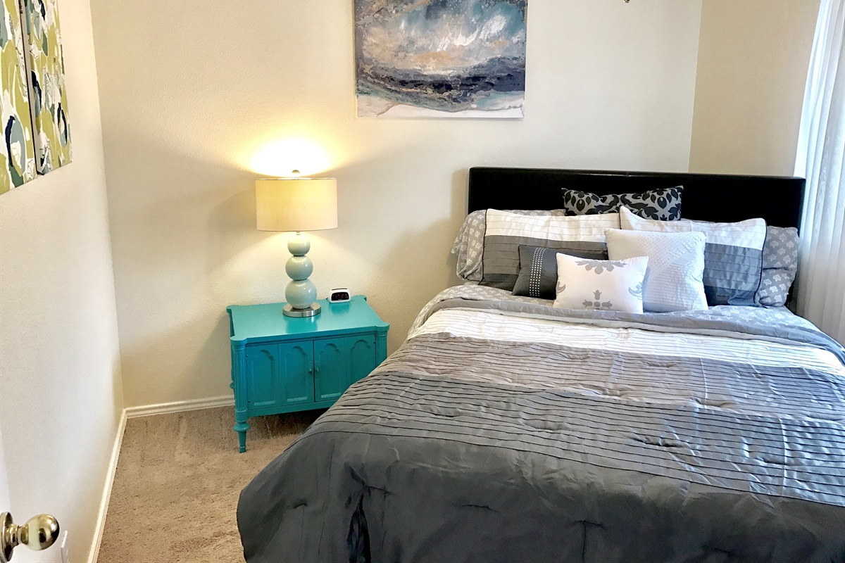 Bedroom #3 (queen bed).