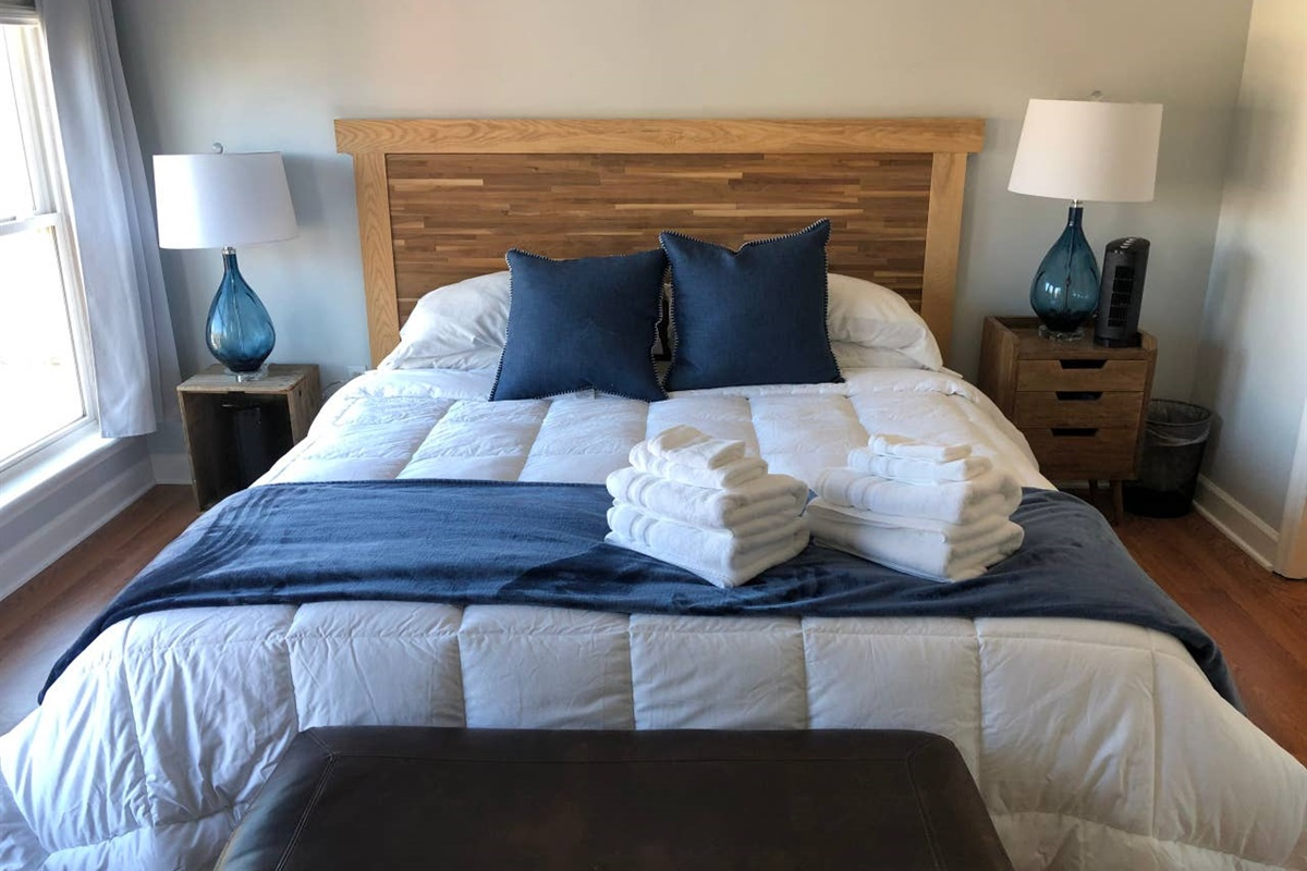 KING BEDROOM #1  (courtyard side)  King Size bed with new 14 inch thick foam mattress and new luxury bamboo sheets.