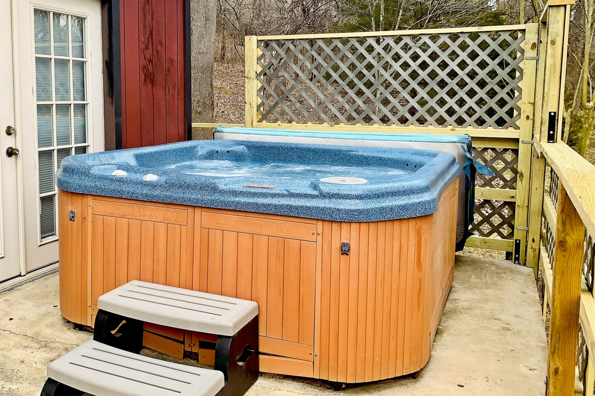 Hot bubbly hot tub!