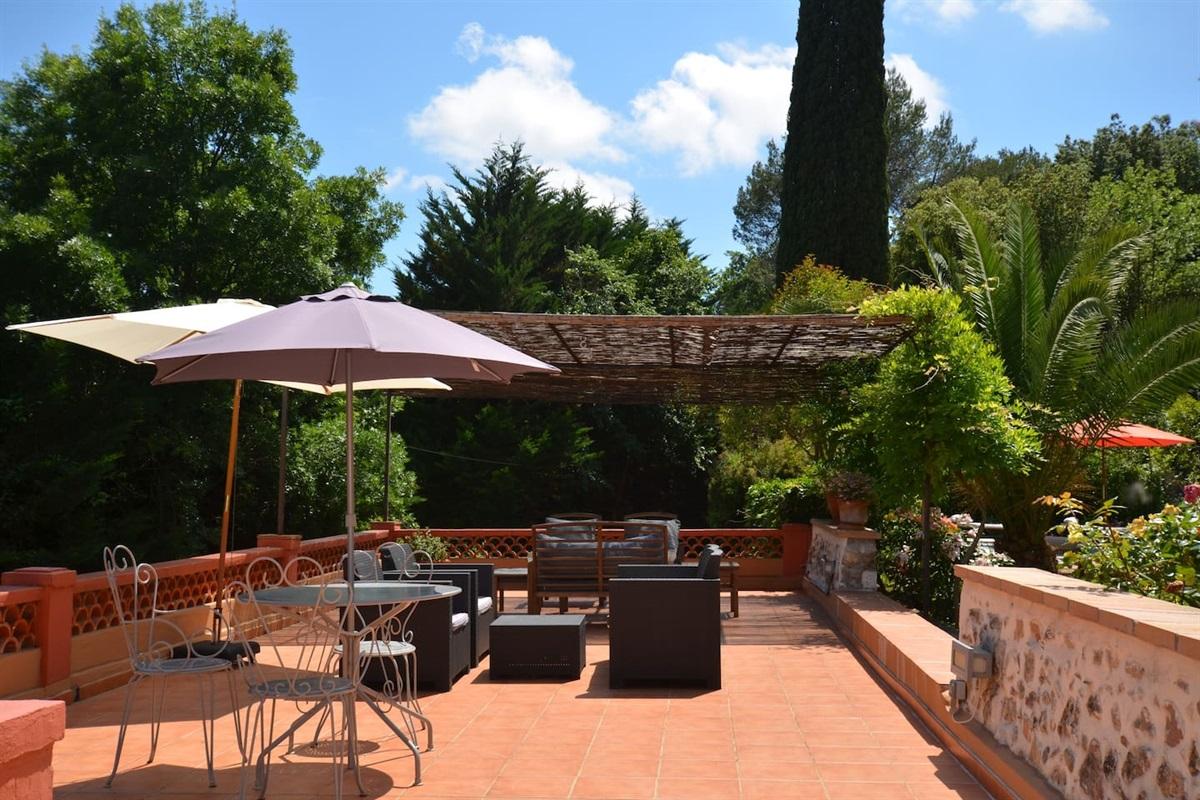 terrasse principale de la Villa Chandra,près d'Antibes, French Riviera