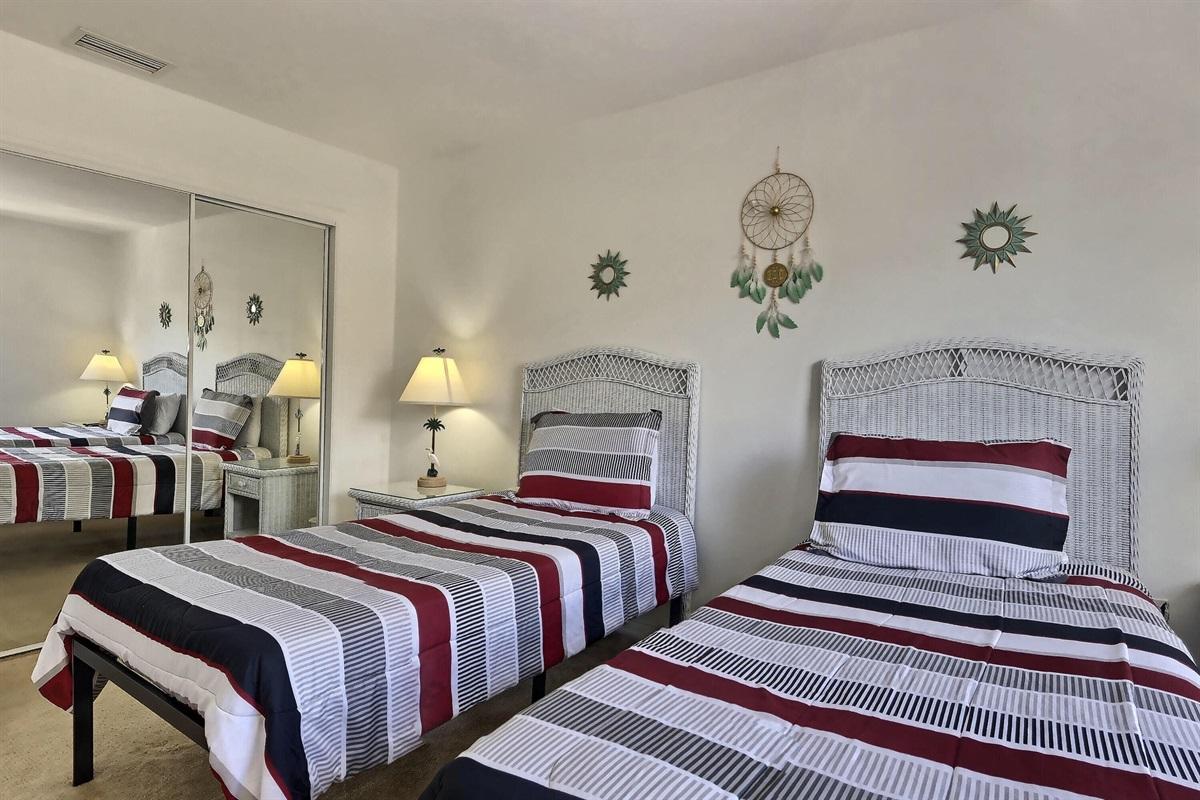 Twin bedroom 1 - Upstairs