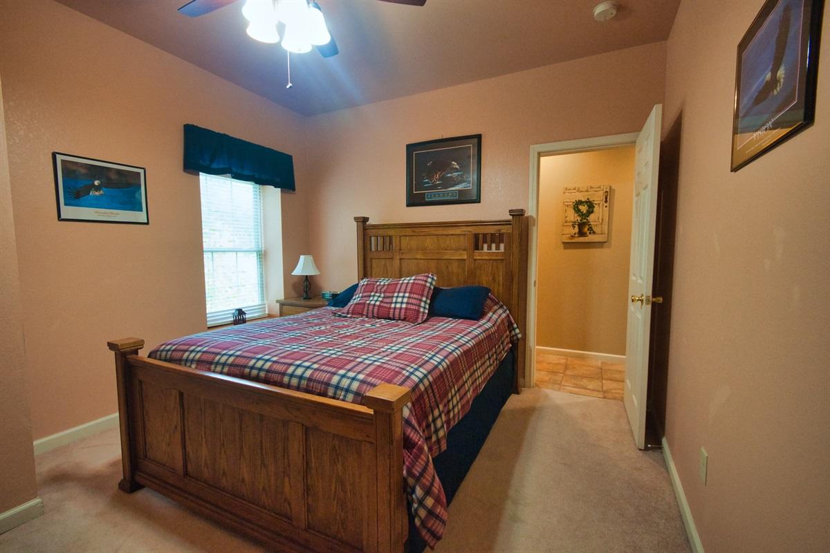 Queen - bedroom 4