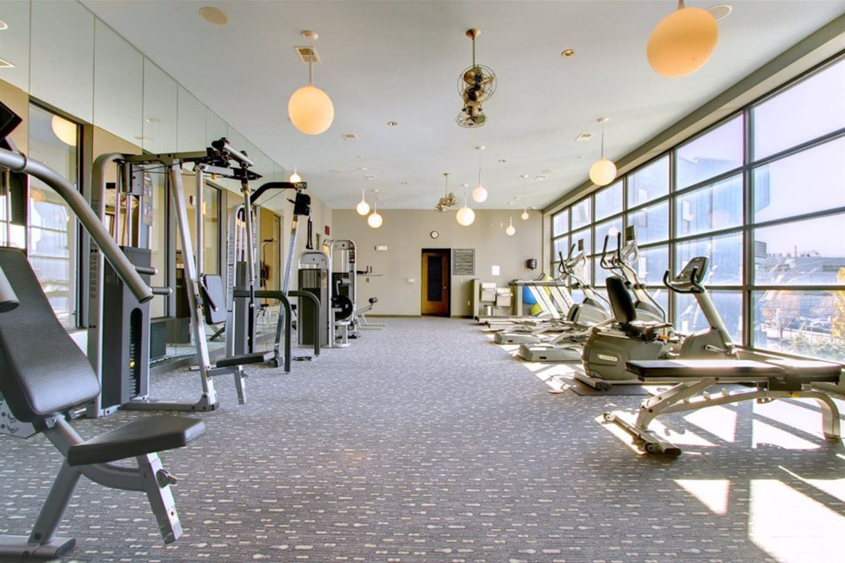 24/7 State of the art Fitness Center