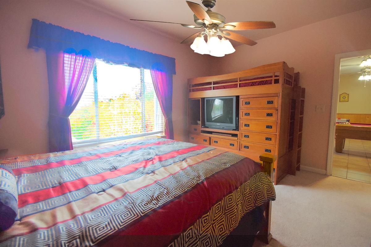 Queen - Bedroom 3