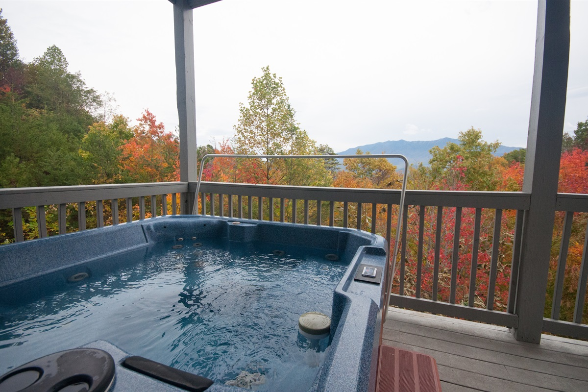 Hot tub and Mountain View - lower deck