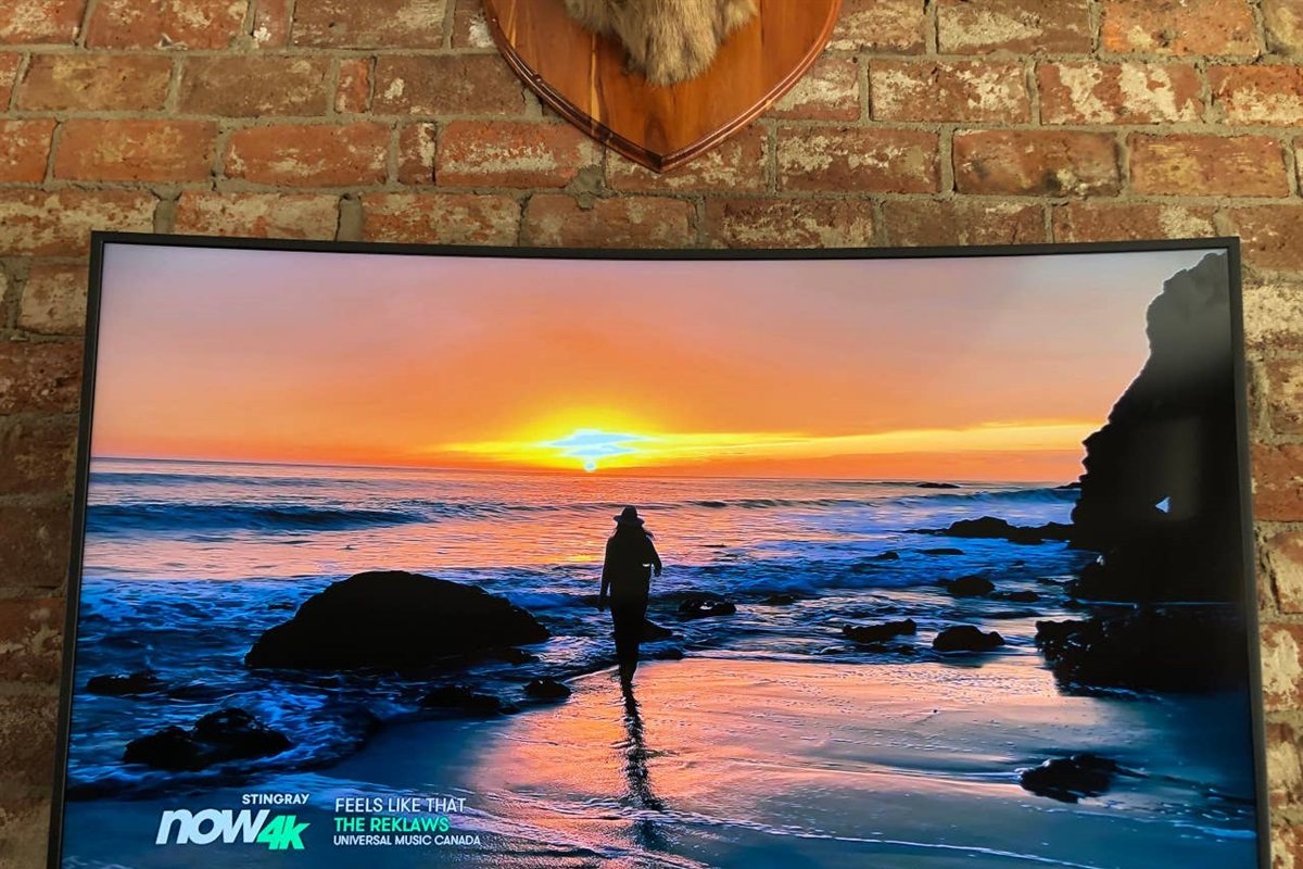 """55"""" Ultra HD TV with 4K Rogers cable & 4K Netflix"""