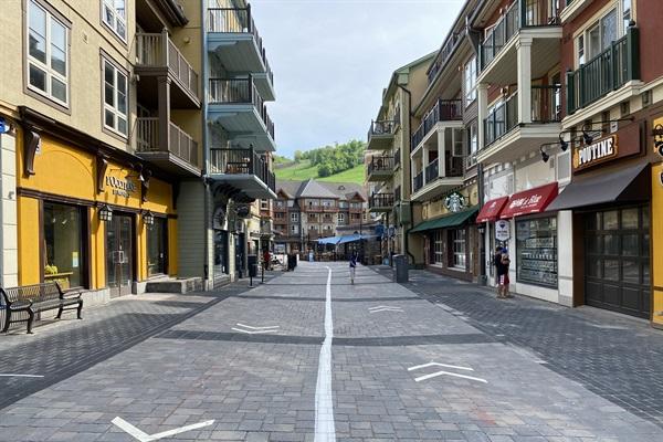 20 min walk to Blue Mountain Village