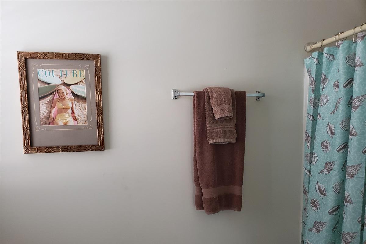 Queen En suite Bathroom/ Shower