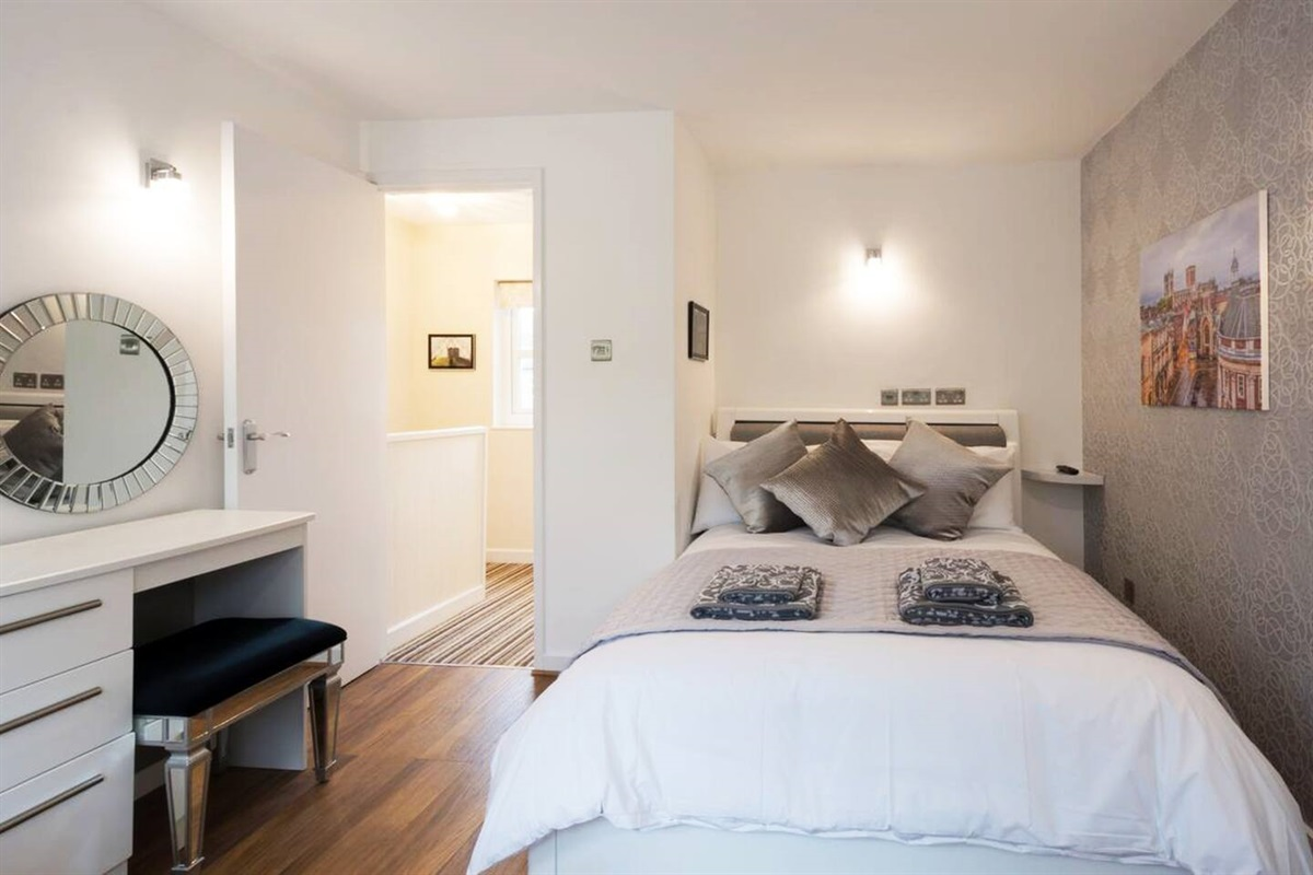 Master bedroom - one or two double beds can be made up in here.