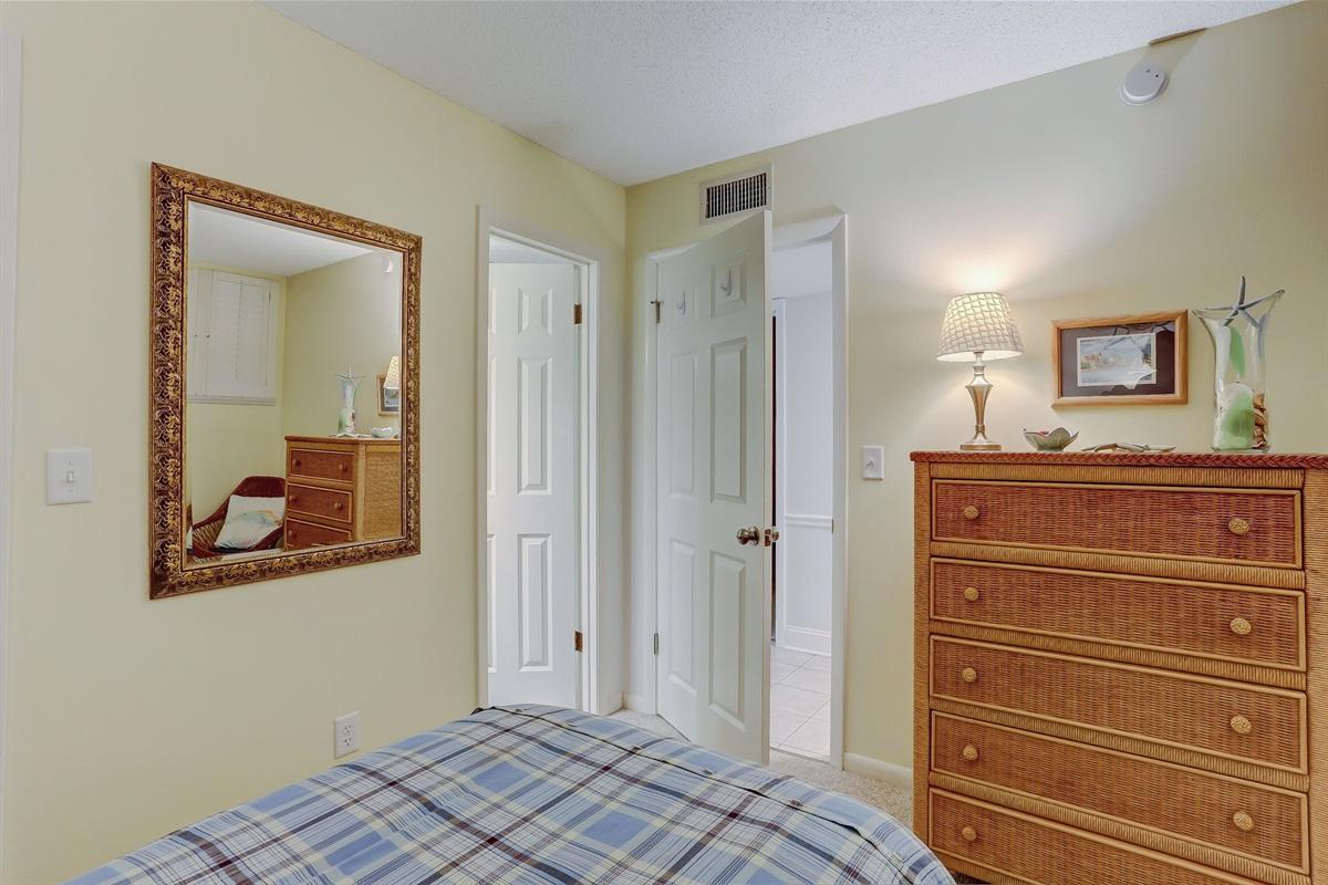 Private Bath in Twin Bedroom