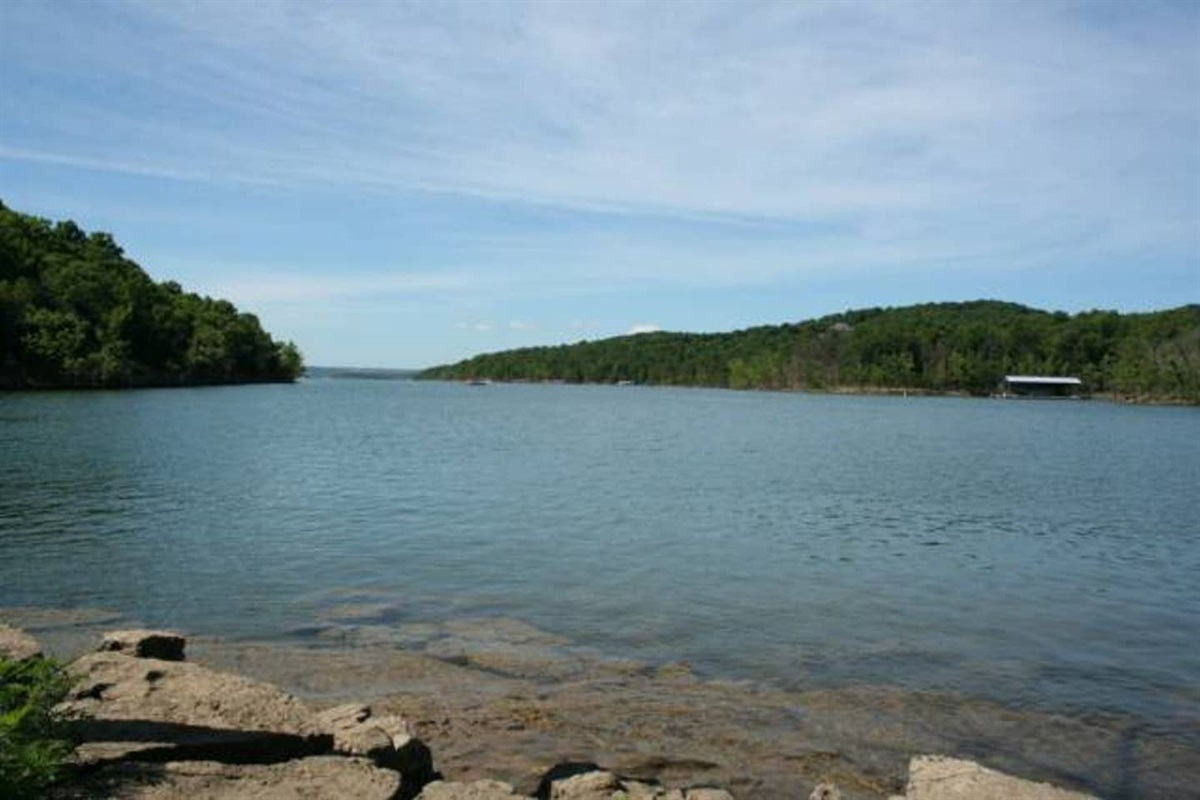 Walk to Table Rock Lake - Fish or Swim from shore!