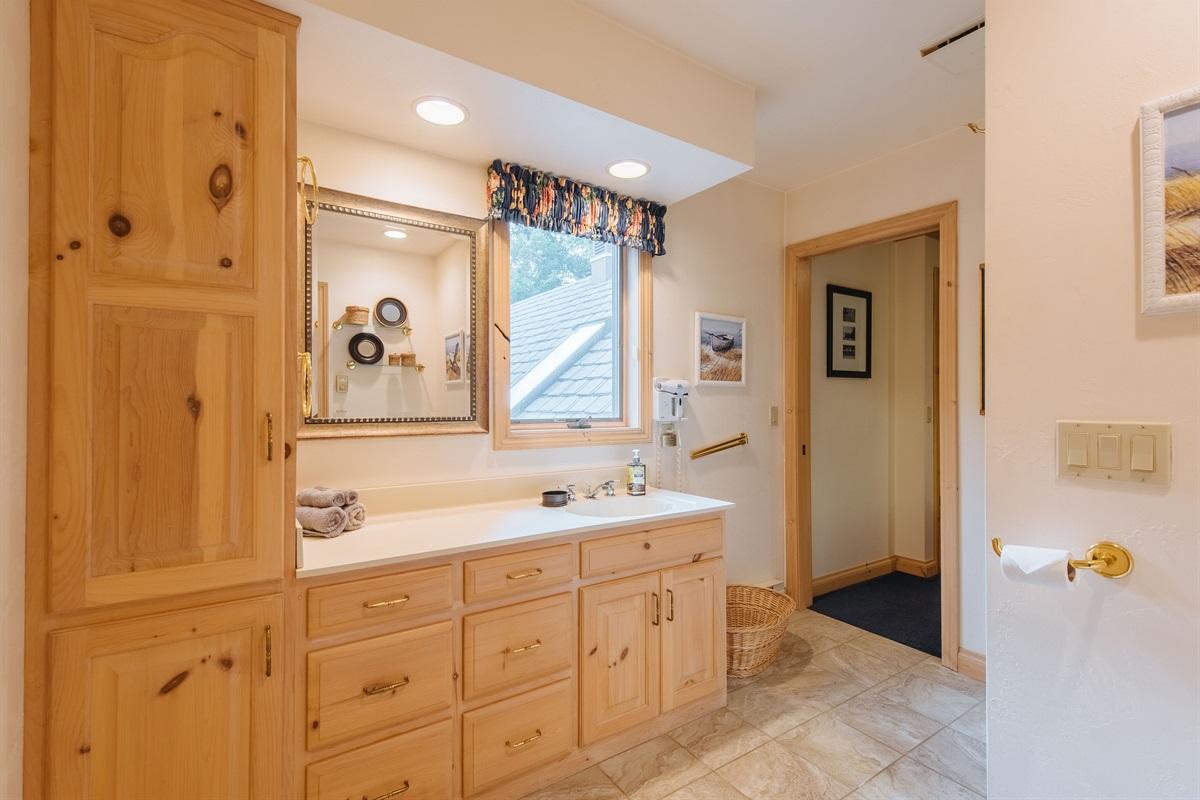 2nd Floor Shared Bath