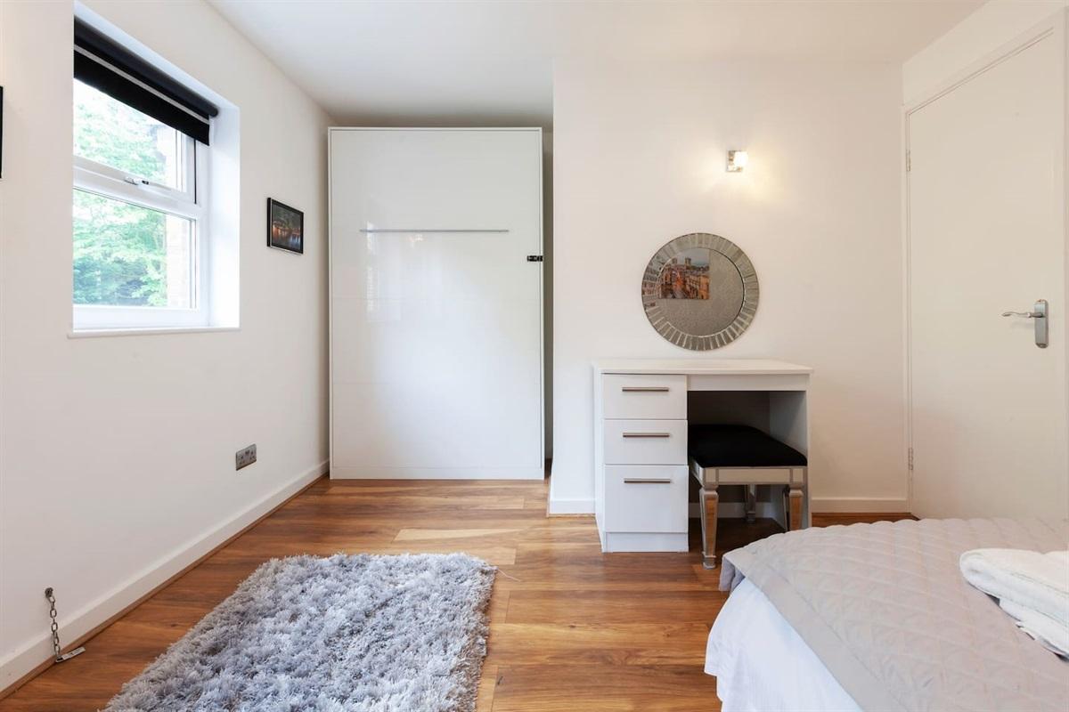 Bedroom folding bed