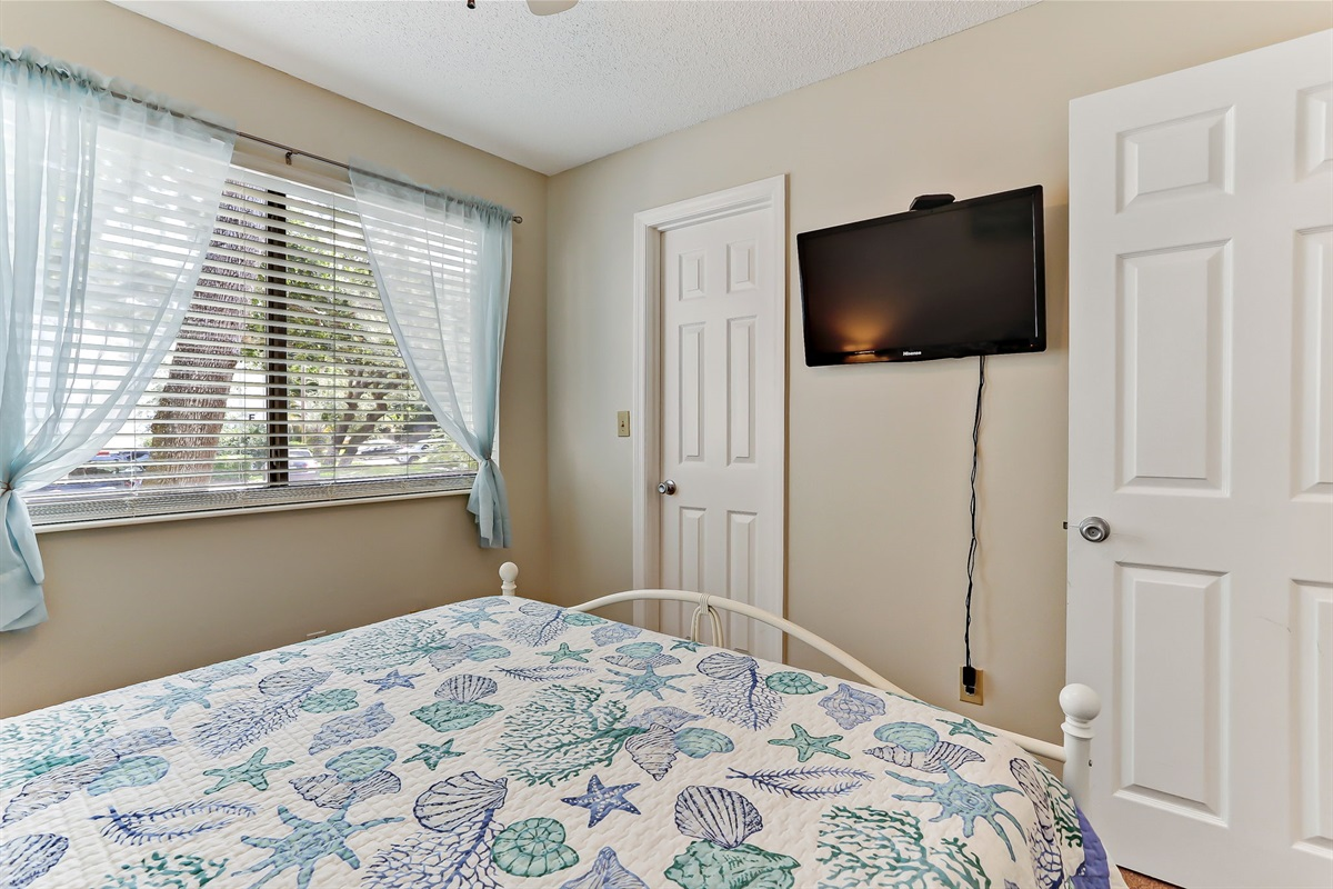 Guest Bedroom 1 with TV