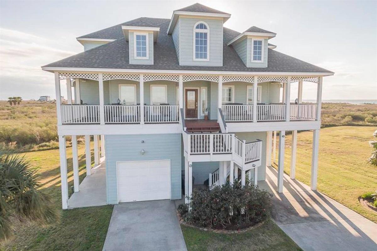 Bay House - Coastal Waves Vacation - Galveston Beach House in Pointe West