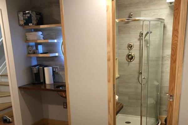 Queen Suite (bottom floor)  Private bathroom (shower, vanity, toilet)