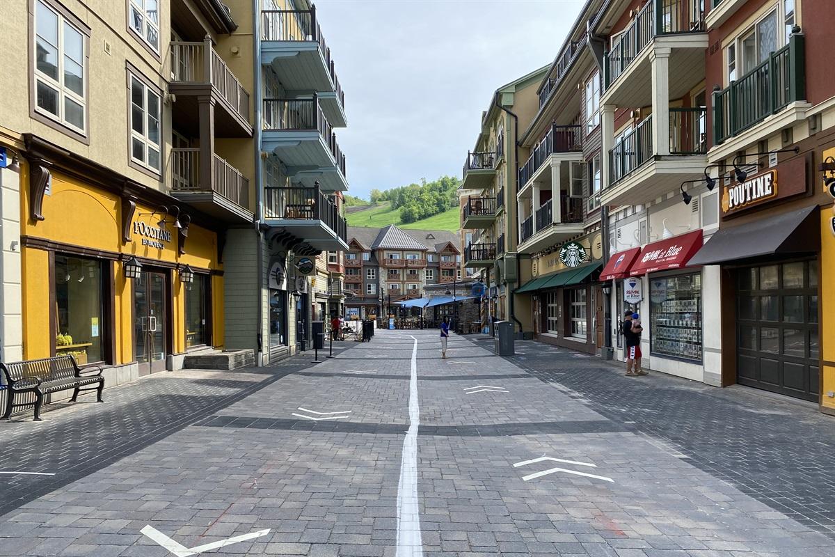 15 min walk to Blue Mountain Village